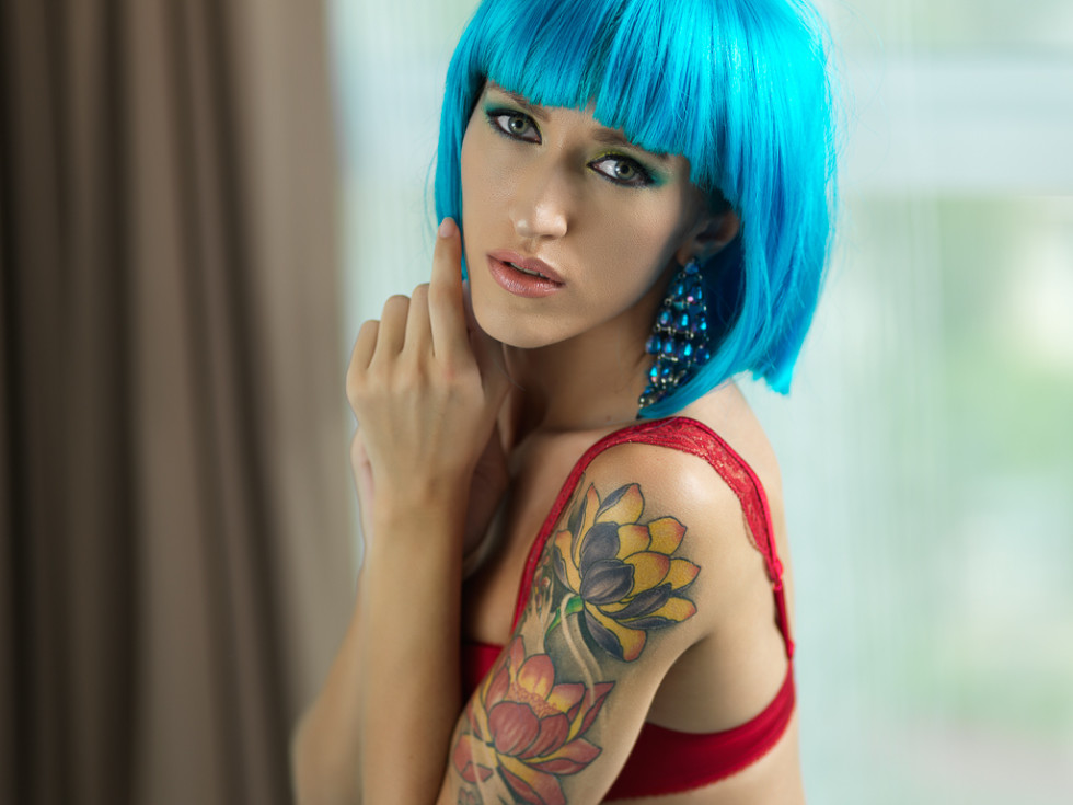 Alt tattoo model